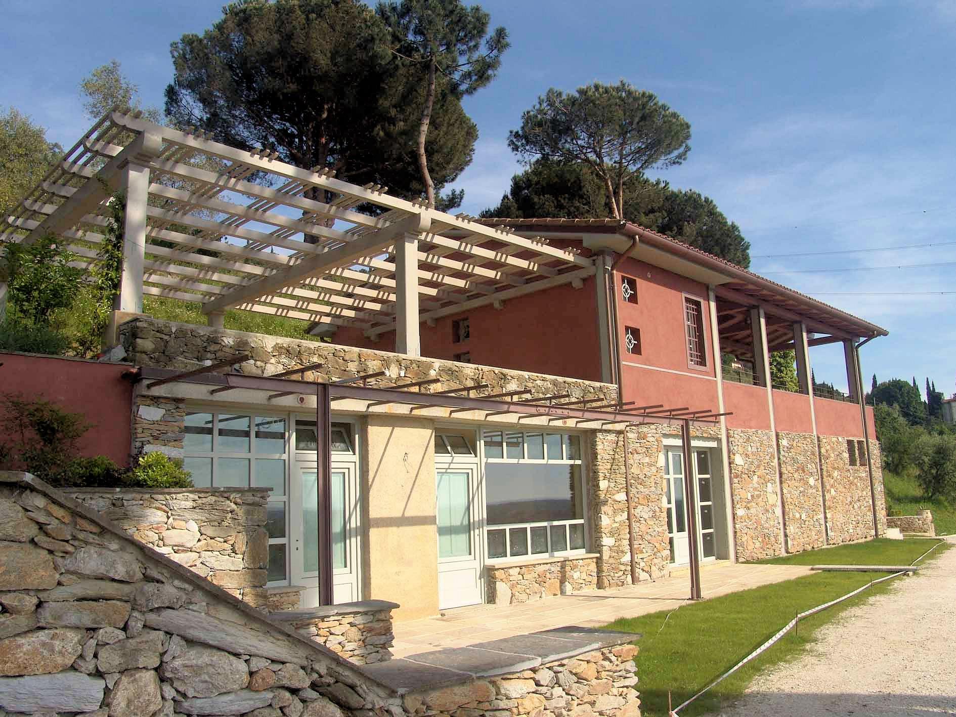 Villa in vendita a Pietrasanta, 15 locali, zona Zona: Vallecchia, Trattative riservate | Cambio Casa.it