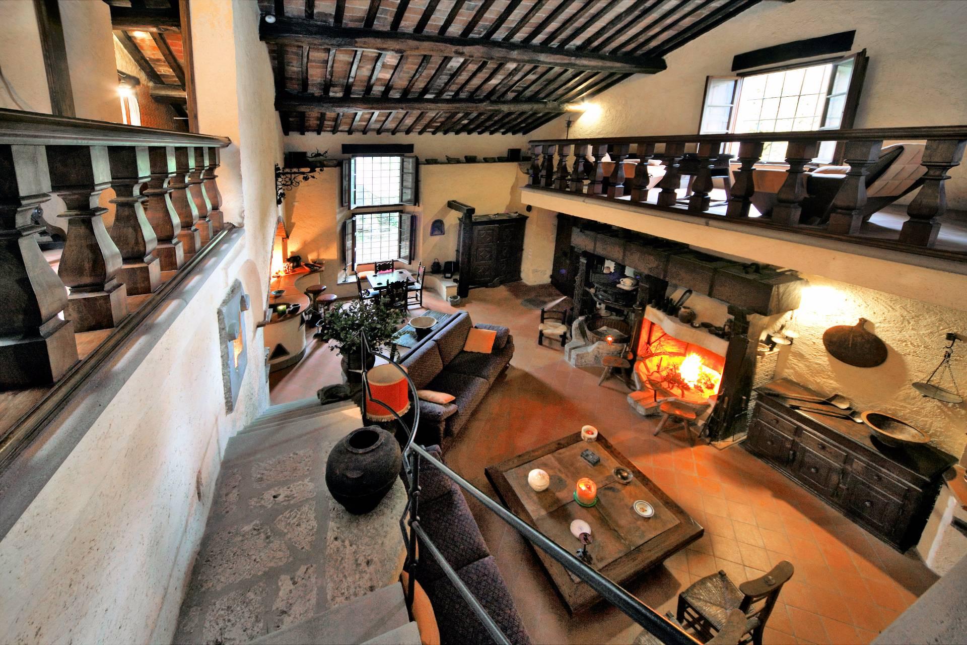 Rustico / Casale in vendita a Camaiore, 1 locali, prezzo € 750.000 | CambioCasa.it