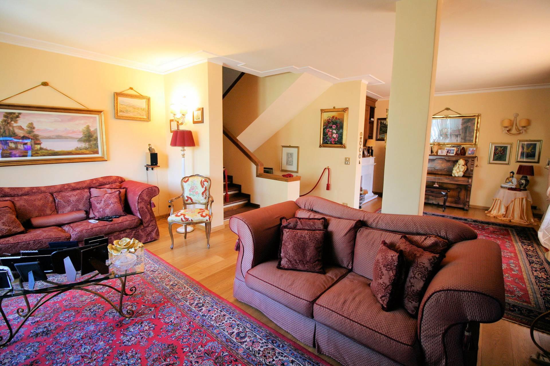 Villa in vendita a Montecatini-Terme, 13 locali, prezzo € 420.000 | Cambio Casa.it