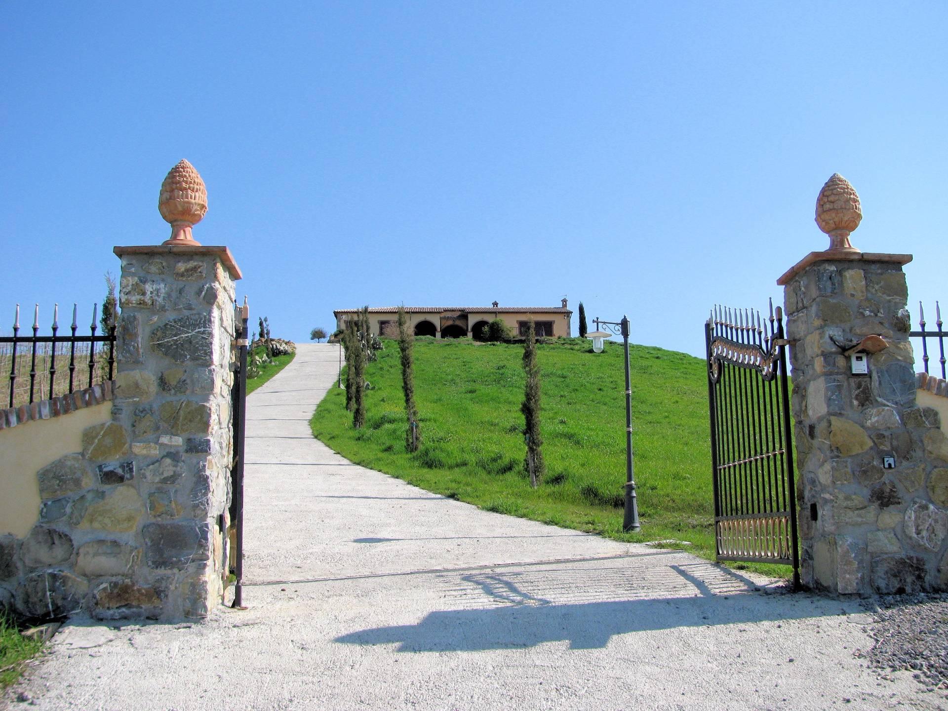 Villa in vendita a Manciano, 6 locali, Trattative riservate | Cambio Casa.it