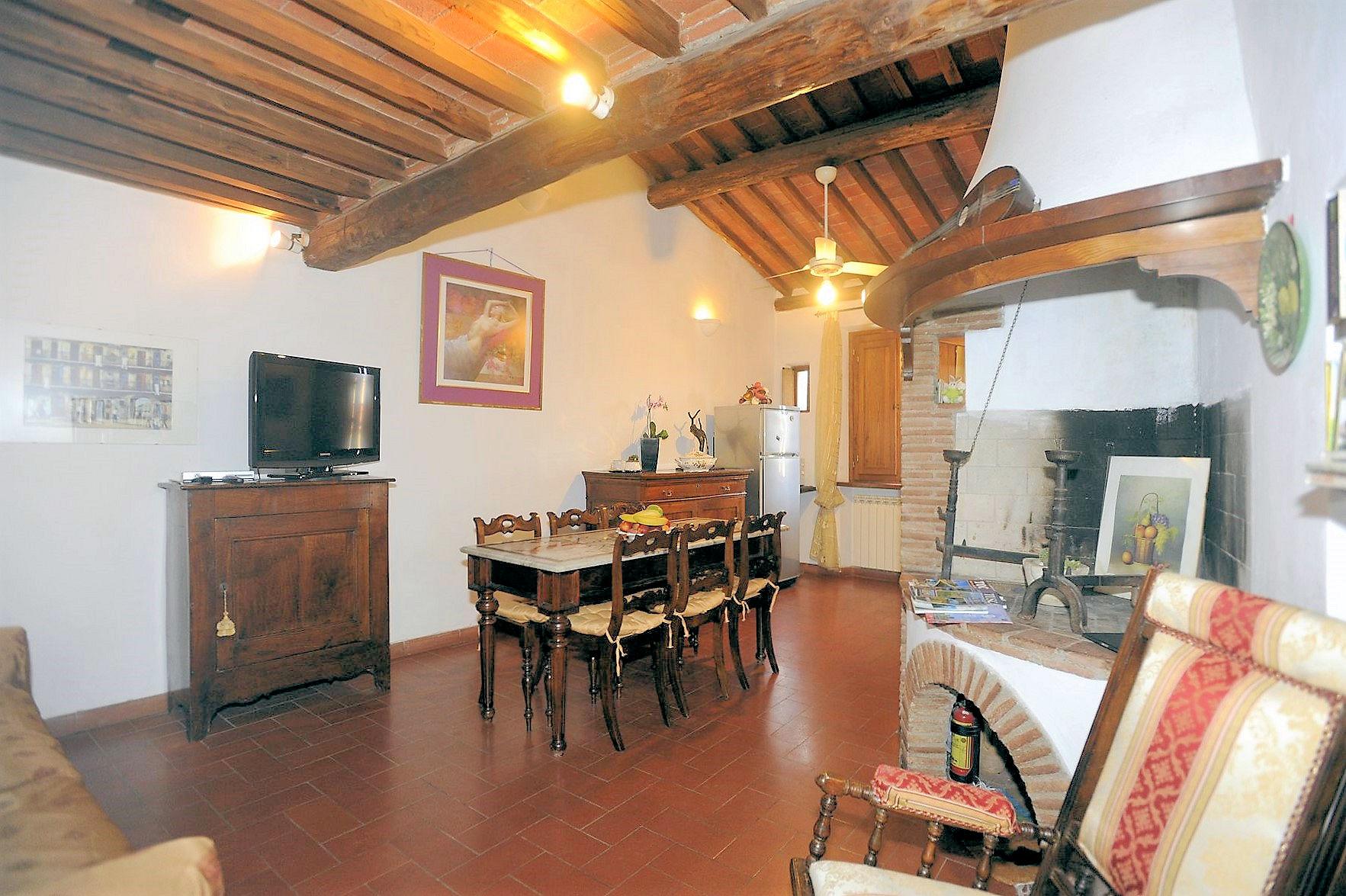 Appartamento in vendita a Lucca, 3 locali, zona Località: Centrostorico, prezzo € 395.000 | Cambio Casa.it