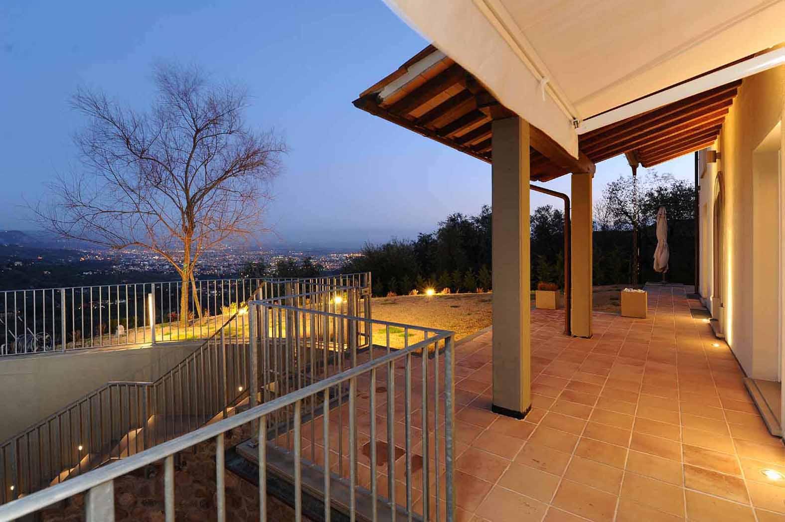 Villa Bifamiliare in Vendita a Massa e Cozzile