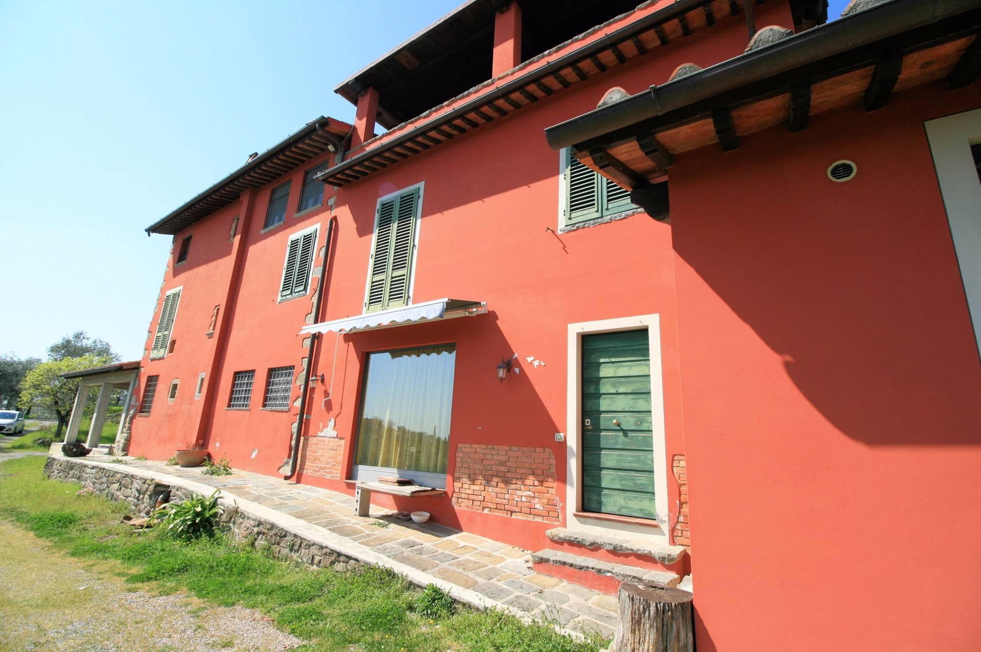 Rustico / Casale in vendita a Buggiano, 10 locali, prezzo € 570.000 | Cambio Casa.it