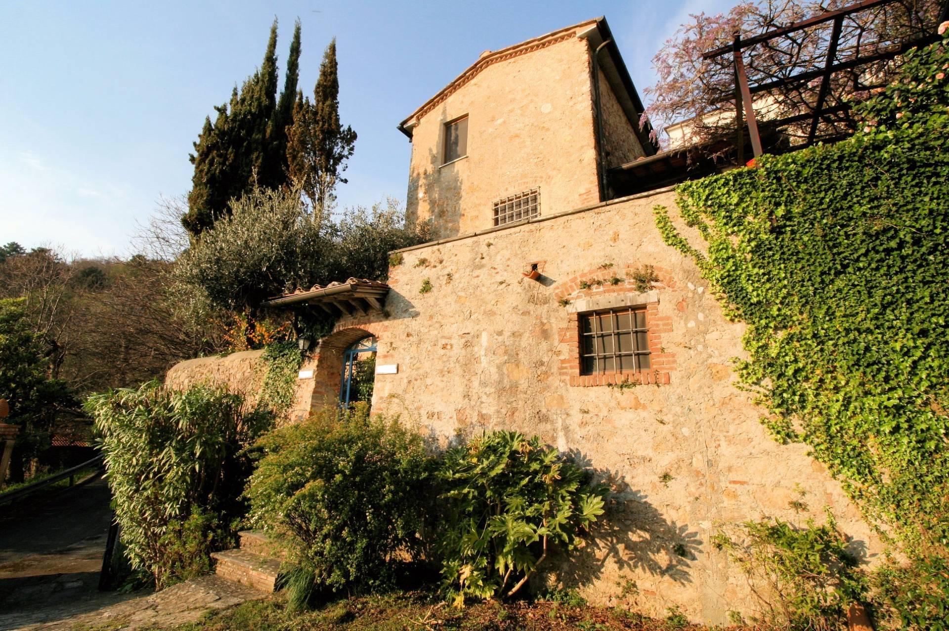 Rustico / Casale in vendita a Pietrasanta, 5 locali, prezzo € 620.000 | Cambio Casa.it