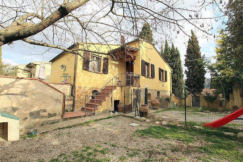 Soluzione Indipendente in vendita a Volterra, 8 locali, prezzo € 255.000   Cambio Casa.it