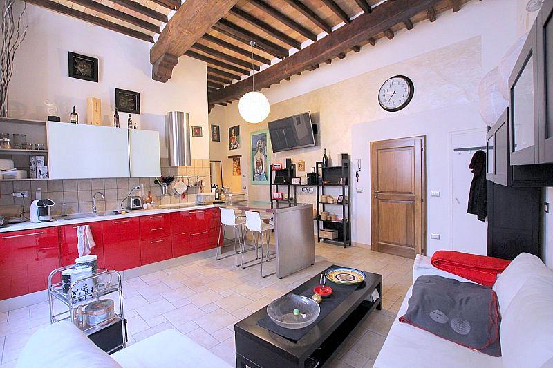 Appartamento in vendita a Volterra, 4 locali, prezzo € 130.000 | Cambio Casa.it