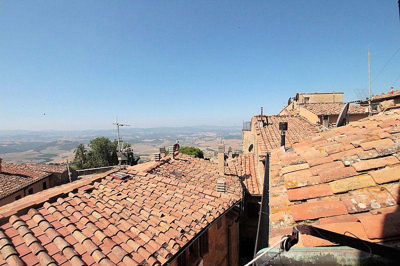 Appartamento in vendita a Volterra, 5 locali, prezzo € 85.000 | Cambio Casa.it