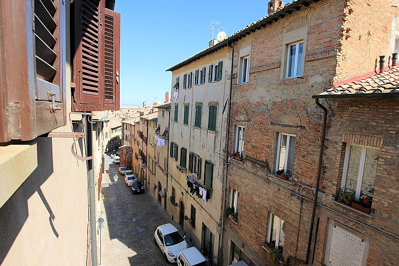 Appartamento in vendita a Volterra, 4 locali, prezzo € 75.000 | PortaleAgenzieImmobiliari.it