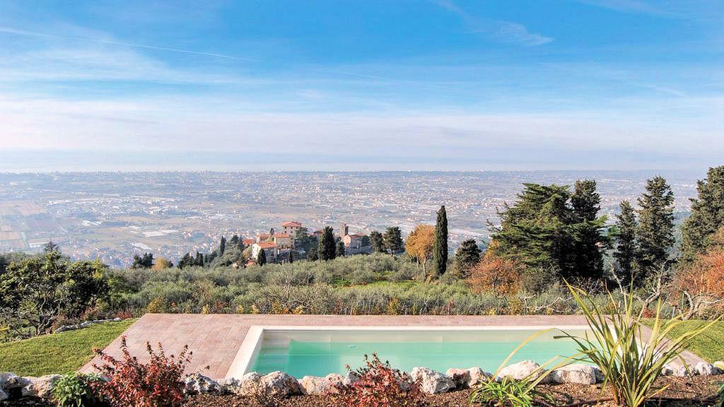 Villa in vendita a Massarosa, 9 locali, prezzo € 980.000 | CambioCasa.it