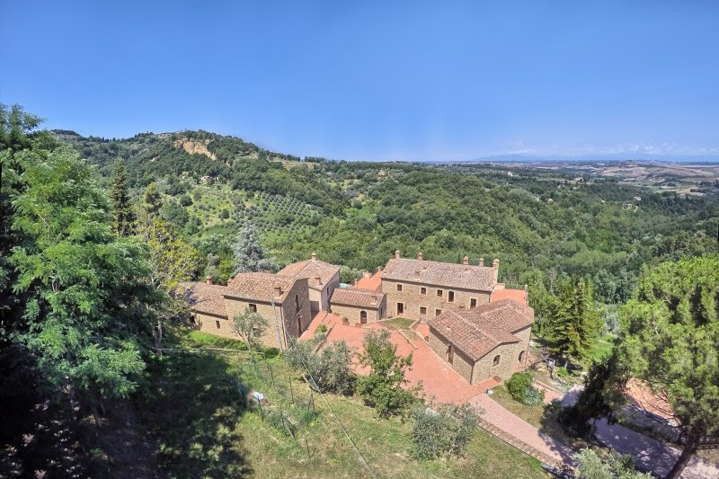 Appartamento in vendita a Volterra, 4 locali, prezzo € 180.000 | CambioCasa.it