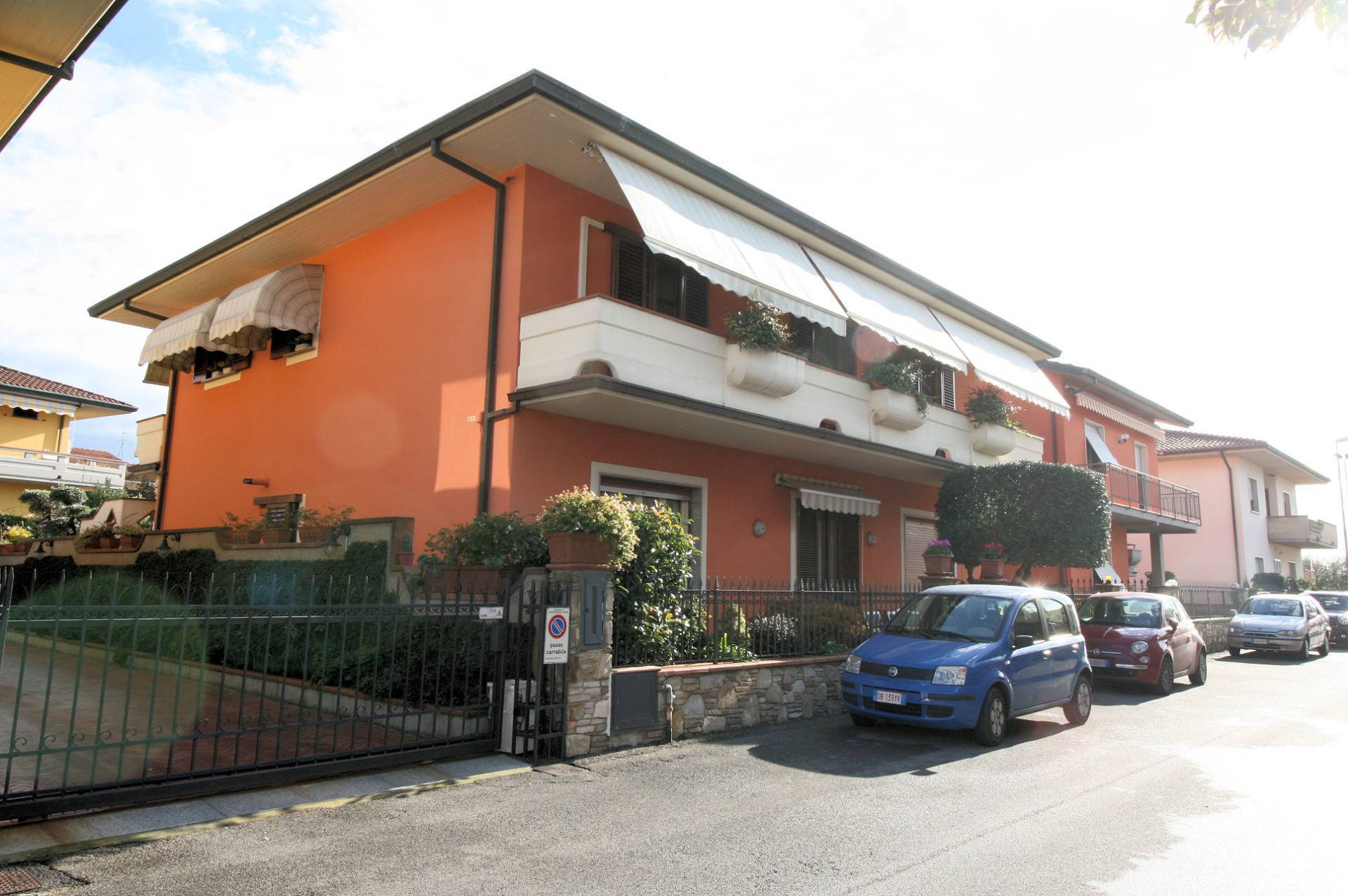 Appartamento in vendita a Monsummano Terme, 5 locali, prezzo € 215.000 | CambioCasa.it