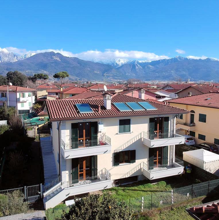 Appartamento in vendita a Massa, 3 locali, zona Località: MarinadiMassa, prezzo € 280.000 | PortaleAgenzieImmobiliari.it