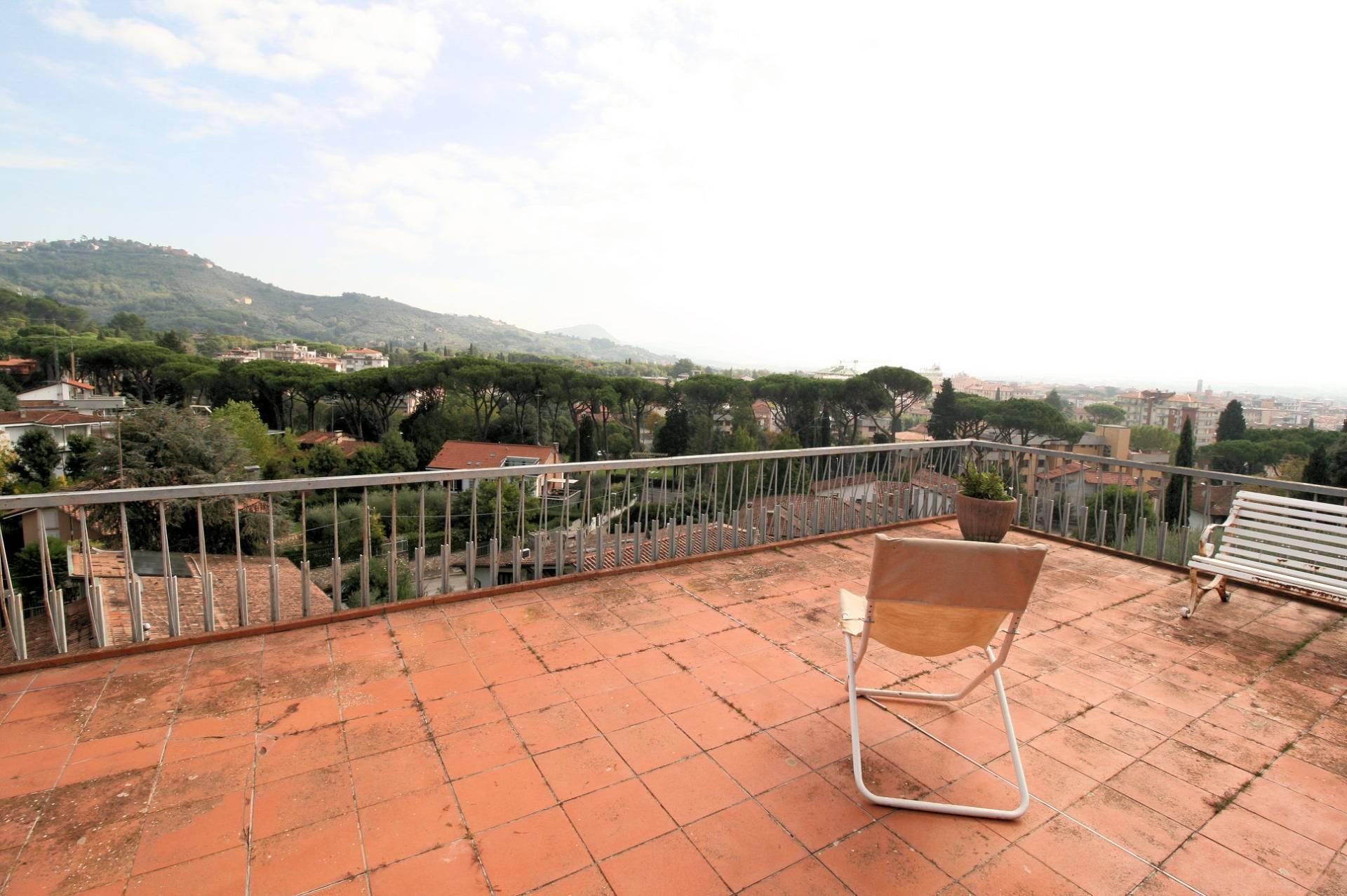 Attico / Mansarda in vendita a Montecatini-Terme, 9 locali, prezzo € 399.000   PortaleAgenzieImmobiliari.it