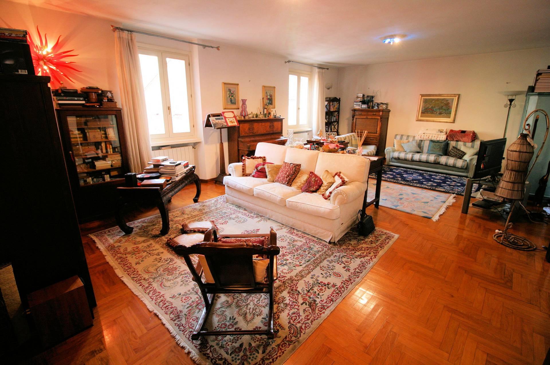 Appartamento in vendita a Montecatini-Terme, 9 locali, prezzo € 255.000 | PortaleAgenzieImmobiliari.it