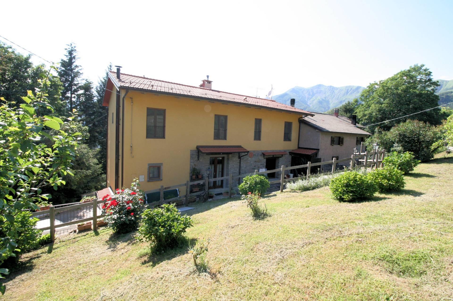Appartamento in vendita a Cutigliano, 7 locali, zona Zona: Melo, prezzo € 170.000 | CambioCasa.it