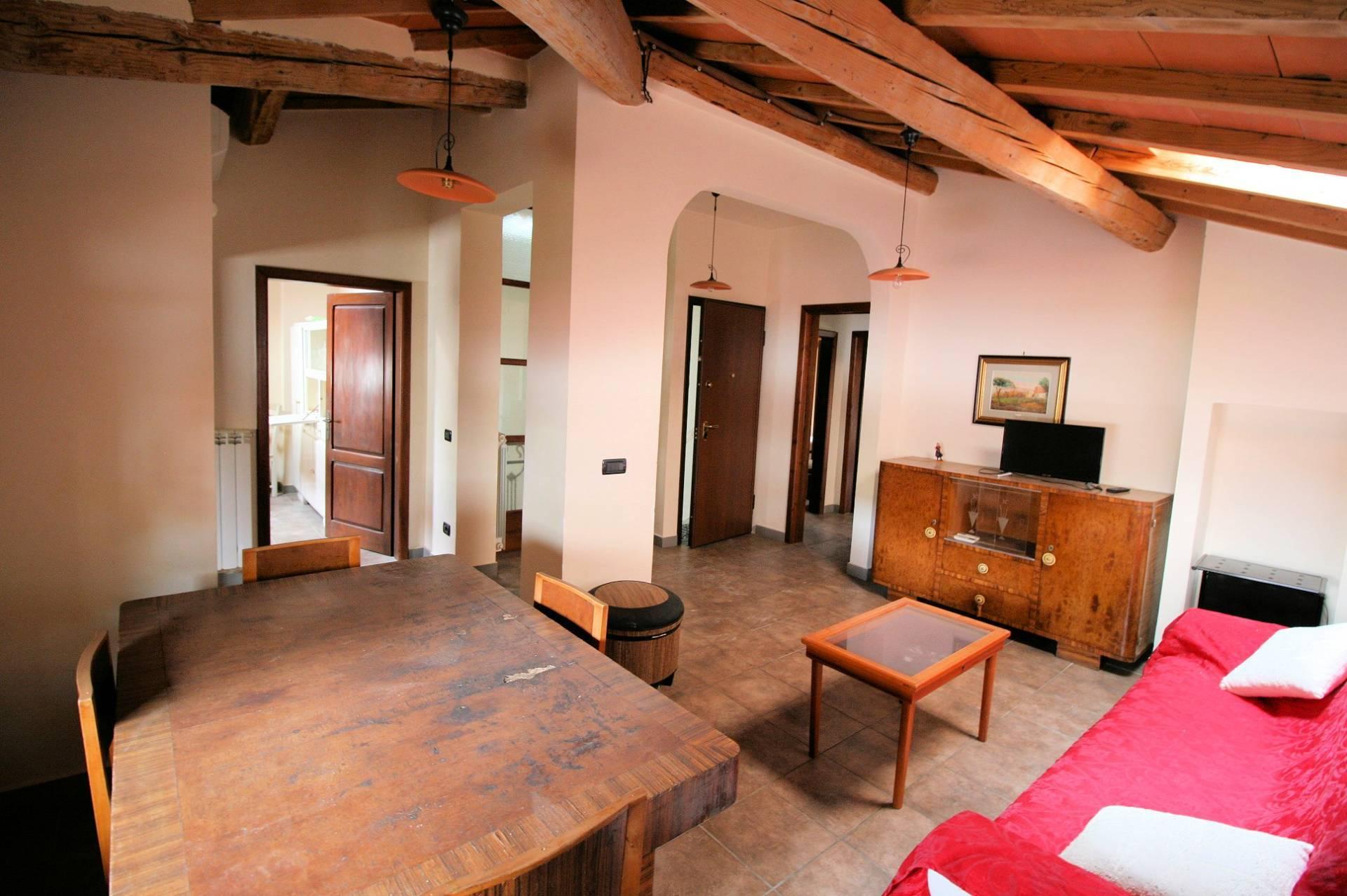 Attico / Mansarda in vendita a Montecatini-Terme, 4 locali, prezzo € 120.000   PortaleAgenzieImmobiliari.it