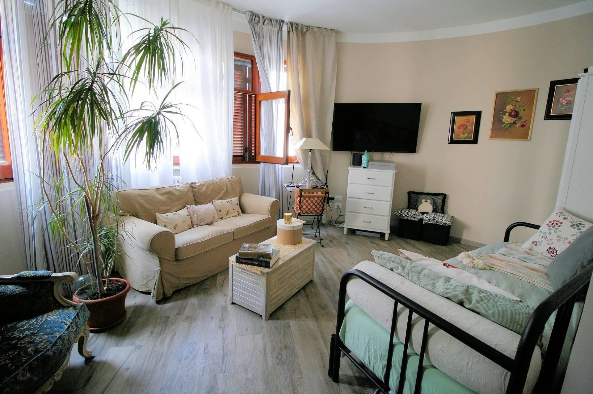 Appartamento in vendita a Pistoia, 5 locali, prezzo € 290.000 | PortaleAgenzieImmobiliari.it