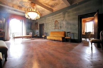 Villa singola a Uzzano