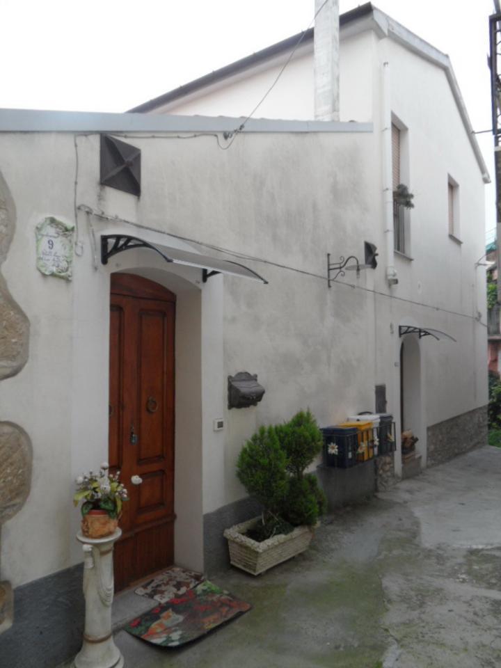 Soluzione Indipendente in vendita a Larino, 5 locali, prezzo € 85.000 | CambioCasa.it