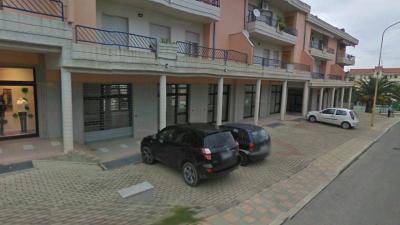 Locale commerciale in Affitto/Vendita a Larino