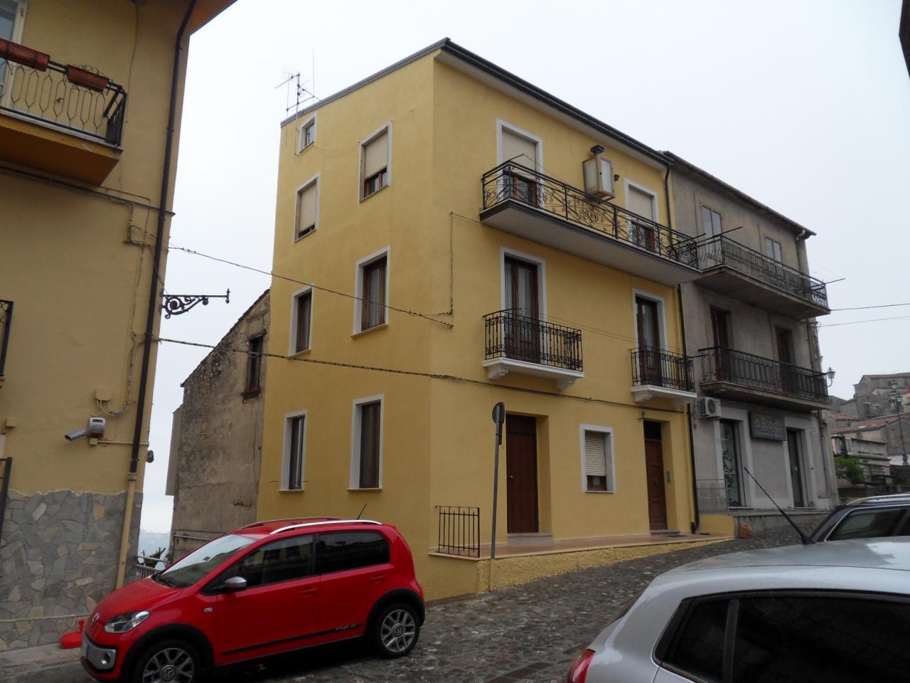 Appartamento in vendita a Spezzano della Sila, 4 locali, prezzo € 23.000 | Cambio Casa.it