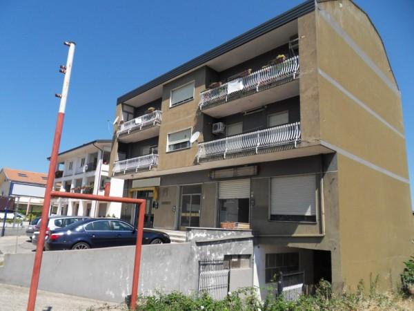 Negozio / Locale in vendita a Rende, 9999 locali, prezzo € 85.000 | Cambio Casa.it
