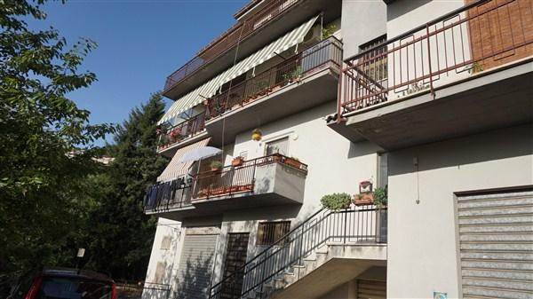 Appartamento in vendita a Spezzano Piccolo, 6 locali, zona Zona: Macchia, prezzo € 90.000 | Cambio Casa.it