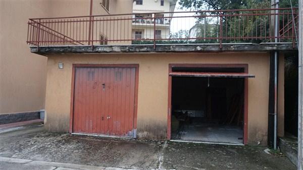 Garage in VENDITA a Rovito