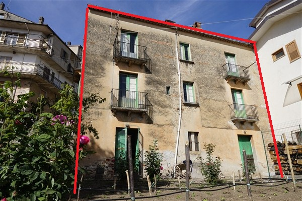 Soluzione Indipendente in vendita a Spezzano della Sila, 10 locali, prezzo € 62.000   Cambio Casa.it