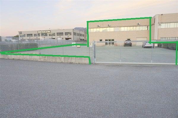 Capannone in vendita a Rende, 9999 locali, zona Zona: Quattromiglia, prezzo € 400.000 | CambioCasa.it