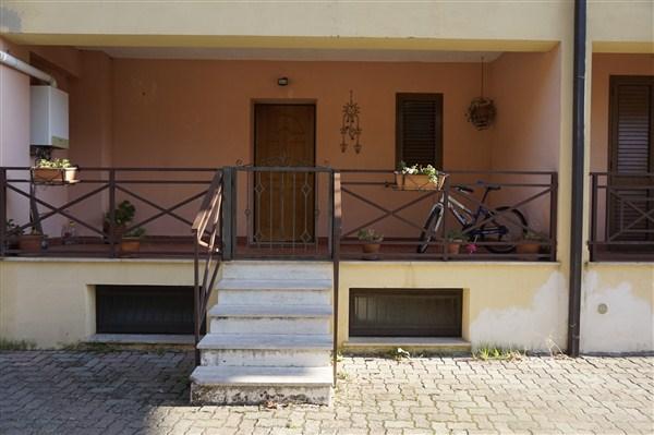 Villetta a Schiera in AFFITTO a Spezzano Piccolo