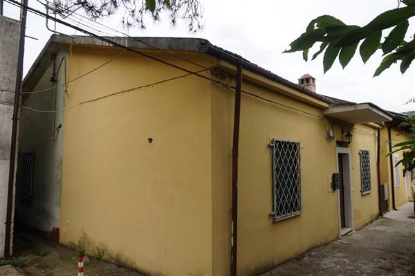 Casa singola in VENDITA a Rende