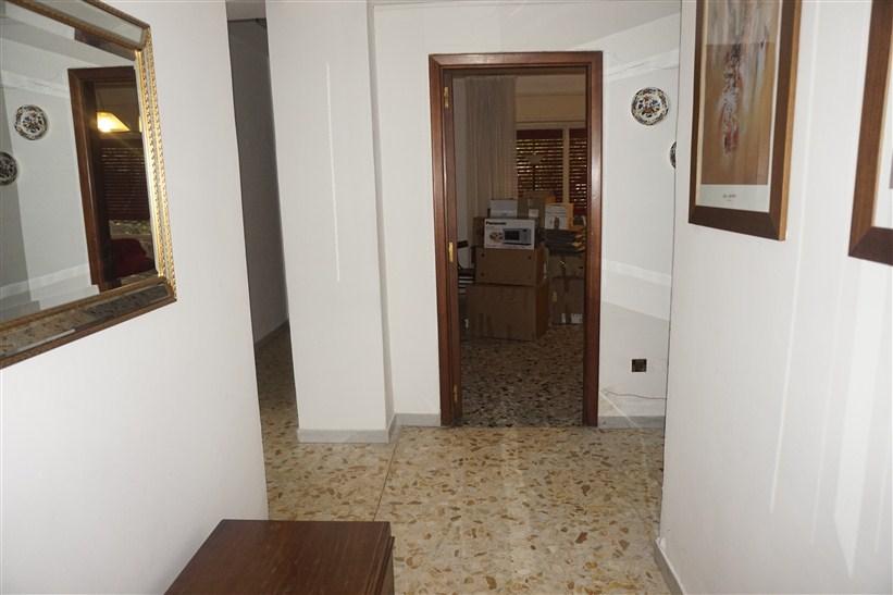 Appartamento ind. con corte in VENDITA a Cosenza
