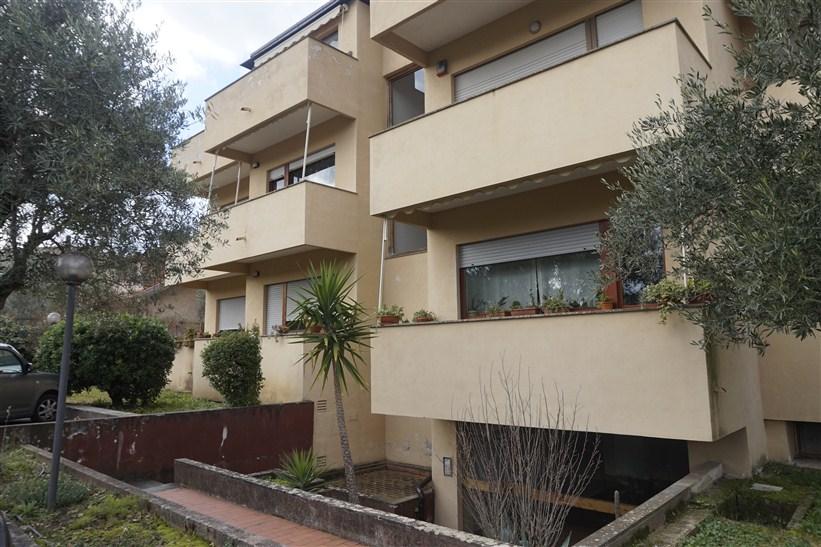 Appartamento con Giardino in VENDITA a Carolei