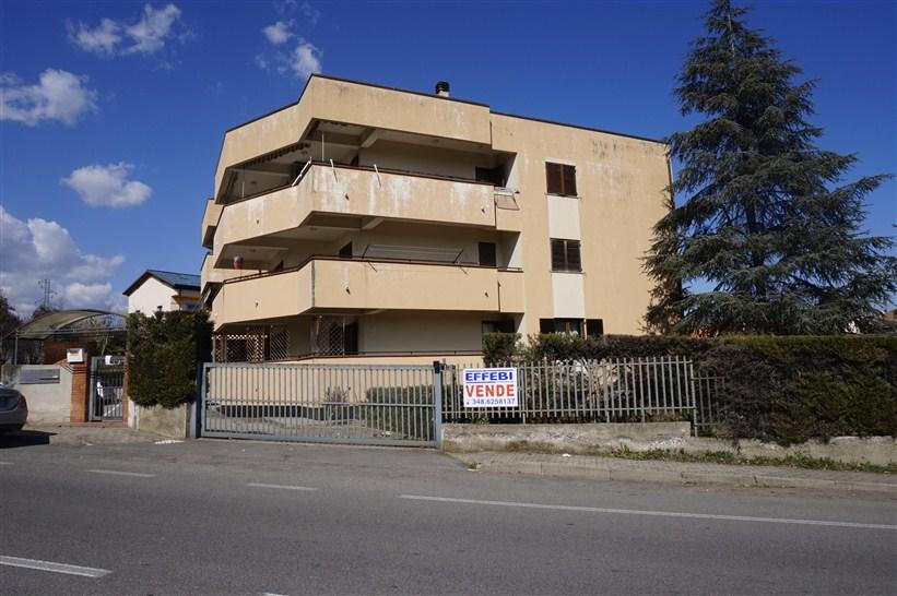 Appartamento con Giardino e Garage in VENDITA a Rende