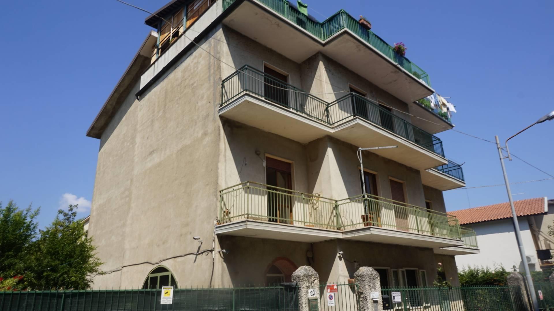 Appartamento da Ristrutturare in VENDITA a Carolei