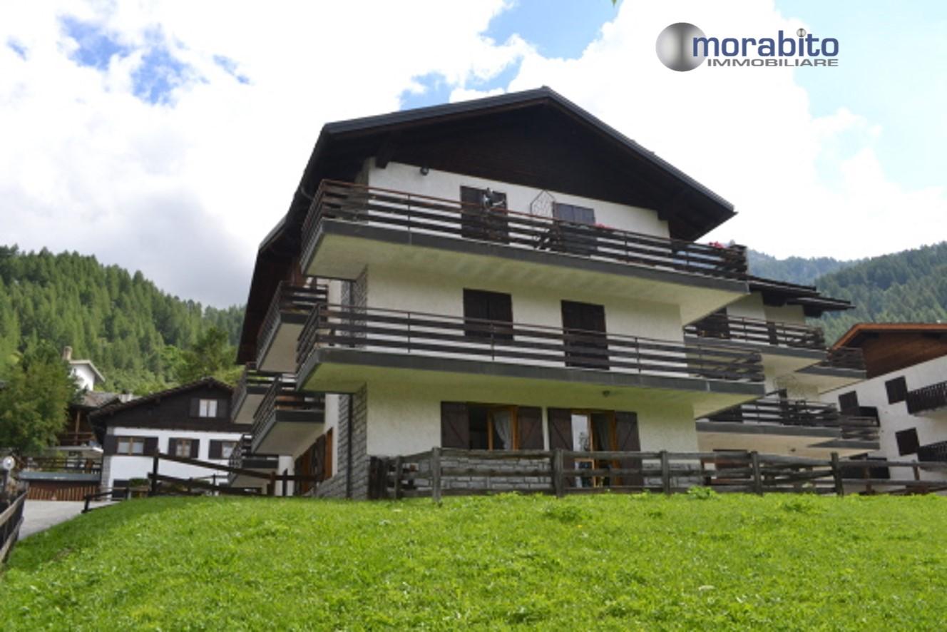 Appartamento in vendita a Valtournenche, 3 locali, zona Zona: Cervinia, prezzo € 188.000 | CambioCasa.it
