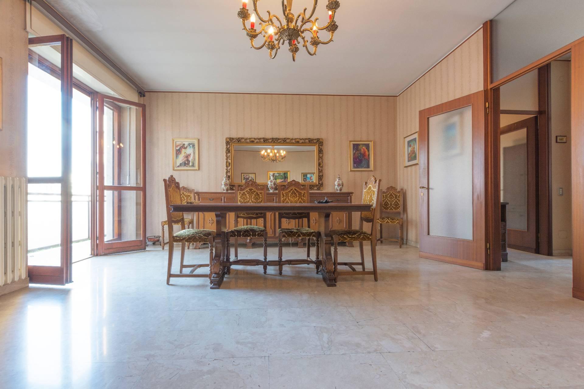 Appartamento in vendita a Milano, 3 locali, zona Zona: 17 . Quarto Oggiaro, Villapizzone, Certosa, Vialba, prezzo € 350.000 | CambioCasa.it