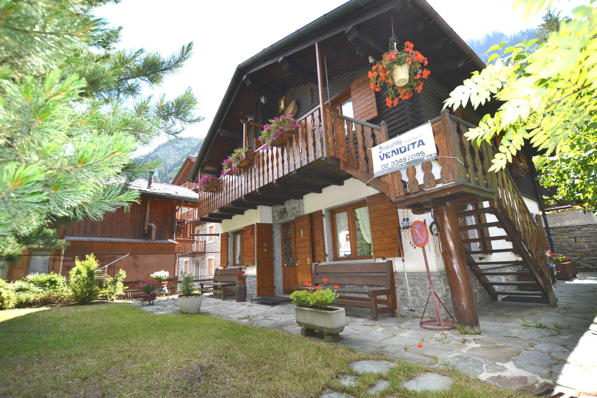 Appartamento in vendita a Ayas, 3 locali, zona Zona: Champoluc, prezzo € 375.000 | CambioCasa.it