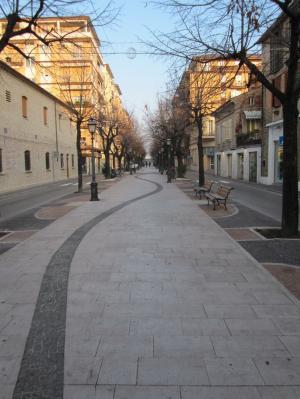 Locale commerciale in Affitto a Porto San Giorgio