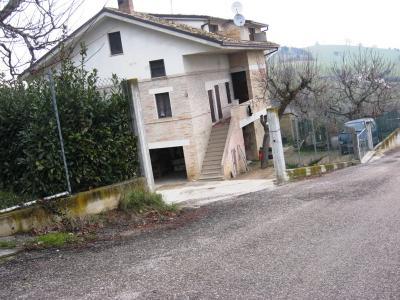 Casa singola in Vendita a Fermo