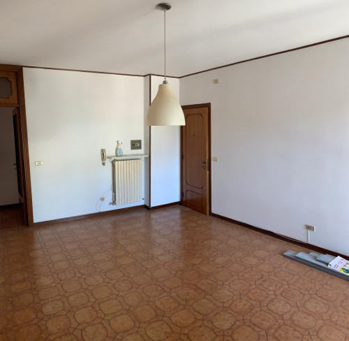 Appartamento in Affitto a Porto San Giorgio
