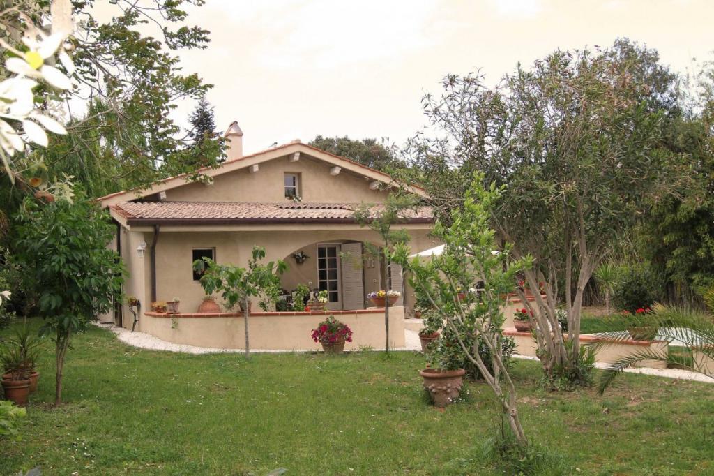 Villa in vendita a Fauglia, 6 locali, zona Zona: Valtriano, prezzo € 299.000 | Cambio Casa.it