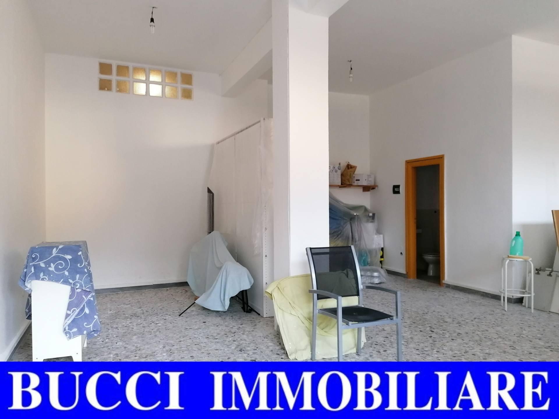 FONDO COMMERCIALE in Vendita a Zona Nord, Pescara (PESCARA)