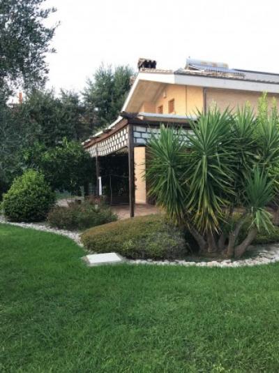 Villa, Casa singola in Vendita a Città Sant'Angelo