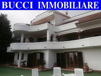 Villa, Casa singola in Vendita a Montesilvano