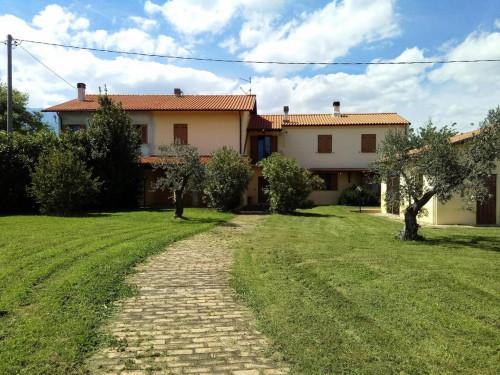 Villa, Casa singola in Vendita a Vicoli