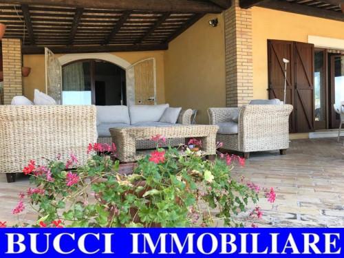 Villa, Casa singola in Vendita a Civitaquana