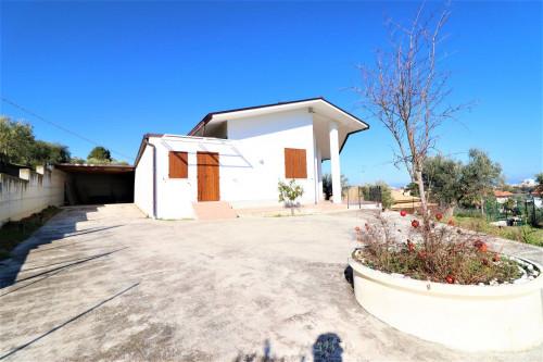Villa in Vendita a Alba Adriatica