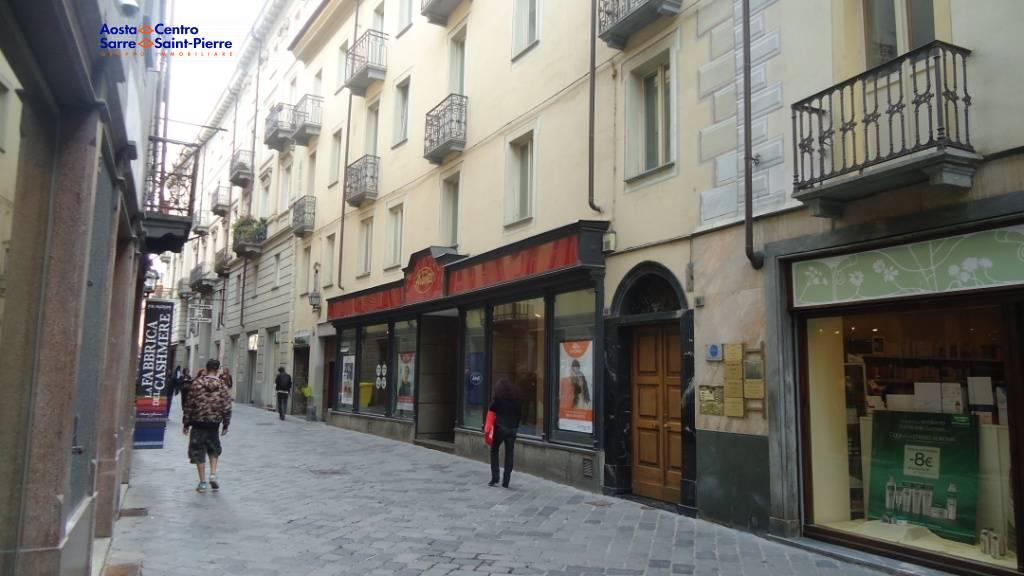 Ufficio / Studio in affitto a Aosta, 9999 locali, zona ro, prezzo € 600 | PortaleAgenzieImmobiliari.it